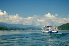 Meer, wolken, schip royalty-vrije stock foto