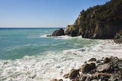 Meerblick auf der Küste von Varazze stockbild