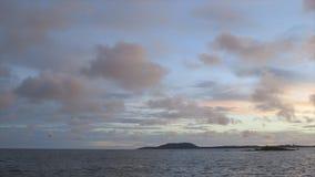 Meerblick bei Sonnenuntergang, Conakry-Küste, Guinea stock footage