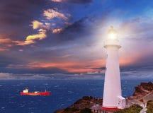 Meerblick mit Leuchtturm Stockbild
