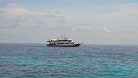 Meerblick mit Tauchenboot stock video