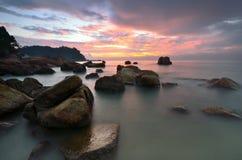 Meerblick während des Sonnenaufgangs lizenzfreies stockbild
