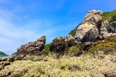 Meerblickansicht am Tag des blauen Himmels bei Koh Larn, Pattaya Lizenzfreie Stockbilder