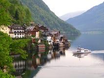 Meerdorp van Hallstatt, Oostenrijk Stock Foto's
