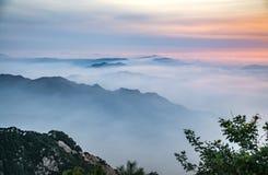 Meere der Wolken lizenzfreie stockfotografie