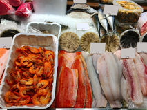 Meeresfrüchte auf dem Zähler Lizenzfreies Stockbild
