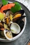 Meeresfrüchte in der Schüssel Von oben Stockfotos