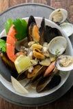 Meeresfrüchte in der Schüssel Von oben Lizenzfreie Stockbilder