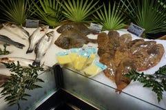 Meeresfrüchte für Verkauf in Paris Frankreich Lizenzfreie Stockfotos