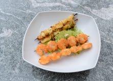Meeresfrüchte mit Salat Lizenzfreie Stockbilder