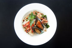 Meeresfrüchtespaghettis lizenzfreie stockbilder