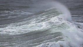 Meereswogebrechen stock footage
