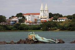 Meerjungfrau und Skyline von Petrolina und von Juazeiro in Brasilien Lizenzfreies Stockfoto