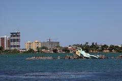 Meerjungfrau und Skyline von Petrolina und von Juazeiro in Brasilien Stockbilder