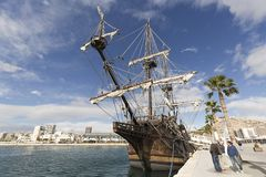 Meertros van Galeon in de Haven van Alicante Stock Fotografie