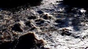 Meeslepend water van St Louis River stock footage