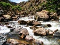 Meeslepende rivier stock foto's
