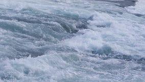Meeslepende rivierwateren royalty-vrije stock fotografie