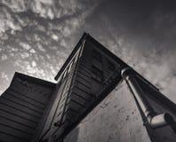 Meetkunde van hoeken van een oud gebouw met baksteen, sepia stock afbeeldingen
