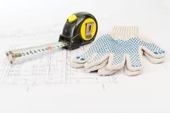 Meetlint met handschoenen Stock Afbeeldingen