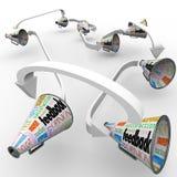 Megáfonos de los megáfonos de la reacción que separan comentarios de las opiniones Imagen de archivo libre de regalías