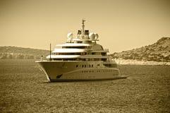 Mega- Luxusyacht Lizenzfreies Stockfoto