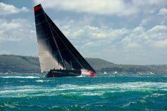 Mega seglingyacht segling Lyxig yacht Arkivbild
