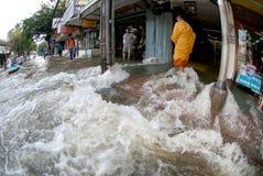 Mega vloed in Bangkok in Thailand. Stock Afbeeldingen