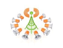 Megafoni arancioni intorno al simbolo verde dell'antenna. Fotografie Stock Libere da Diritti
