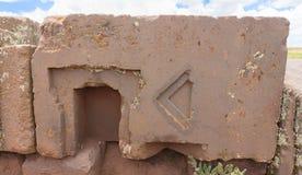 Megalitisk sten i kuguar Punku, Bolivia Royaltyfri Foto