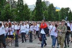 Megamarch dei ricami nel Kyiv capitale ucraino fotografia stock libera da diritti