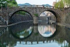 Meganebashi (мост зрелищ) в Нагасаки, Японии Стоковое Изображение