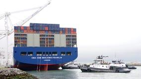 Megaship BENJAMIN FRANKLIN die de Haven van Oakland vertrekken Royalty-vrije Stock Afbeelding