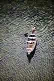 MEGHALAYA, ΙΝΔΙΑ, το Σεπτέμβριο του 2018, σειρές λεμβούχων η βάρκα του στον πο στοκ εικόνες