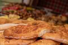 Megruli georgiano di khachapuri di cucina con formaggio e le spezie immagini stock libere da diritti