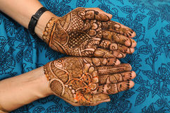 Mehandi. A design on hands against a black background Stock Photography