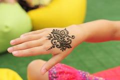 Mehendi, corps de henné images stock