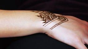 Mehendi del hennè del disegno archivi video