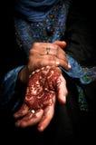 Mehendi, Hennastrauch auf Hand der Braut - Farbe 02 vektor abbildung