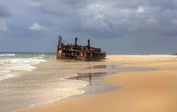 Mehenoschipbreuk in Fraser Island stock fotografie