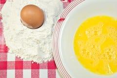 Mehl und Ei Stockfoto