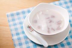 Mehlkloß in der Kokosnusscreme Stockfoto