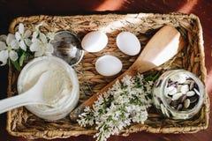 Mehlpulver- und -bäckereibestandteile stockfotos