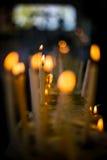 Mehr Kerzenhintergrund im wat von Thailand Lizenzfreie Stockbilder