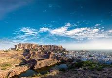 Mehrangarh堡垒在印度,拉贾斯坦,乔德普尔城。印地安宫殿 图库摄影