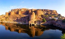 Mehrangarh堡垒,乔德普尔城,拉贾斯坦,印度。印地安宫殿 免版税库存图片