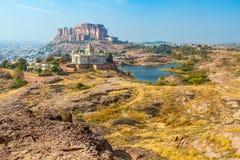 Mehrangarh-Fort mit Jaswant Thada Lizenzfreies Stockfoto