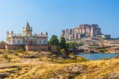 Mehrangarh-Fort mit Jaswant Thada Lizenzfreies Stockbild