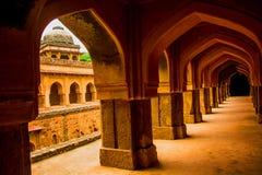 Mehrauli考古学公园,新德里,印度 免版税图库摄影