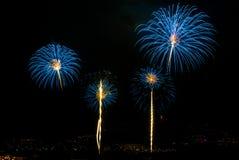 Mehrfache Feuerwerke Stockfotos